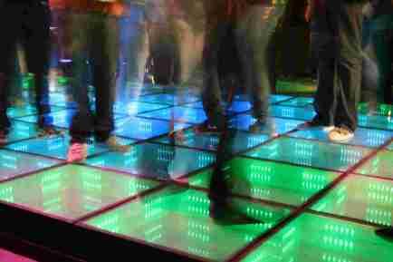 Nachhaltige Tanzfläche  - http://www.sustainabledanceclub.com